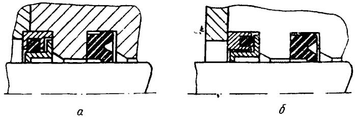 内衬套是浮动的,包住活杆并起刮板作用,外衬套固定在液压缸体槽中,内图片